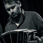 Tango und Bandoneon am 16. Juni live im Deutschen Harmonikamuseum – Ein Konzertabend mit dem Bandoneon-Solisten Alfonso Covarrubias / Chile